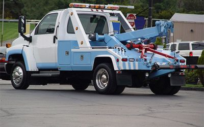 What Are Towing Trucks Used For?